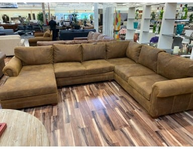 New Floor Model Sedona Oversized Seating Leather Sectional Take 50% Off